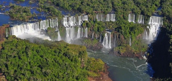 Panoramica de las Cataratas del Iguazú