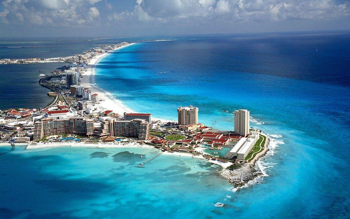 Vista aérea de Cancún en la Riviera Maya