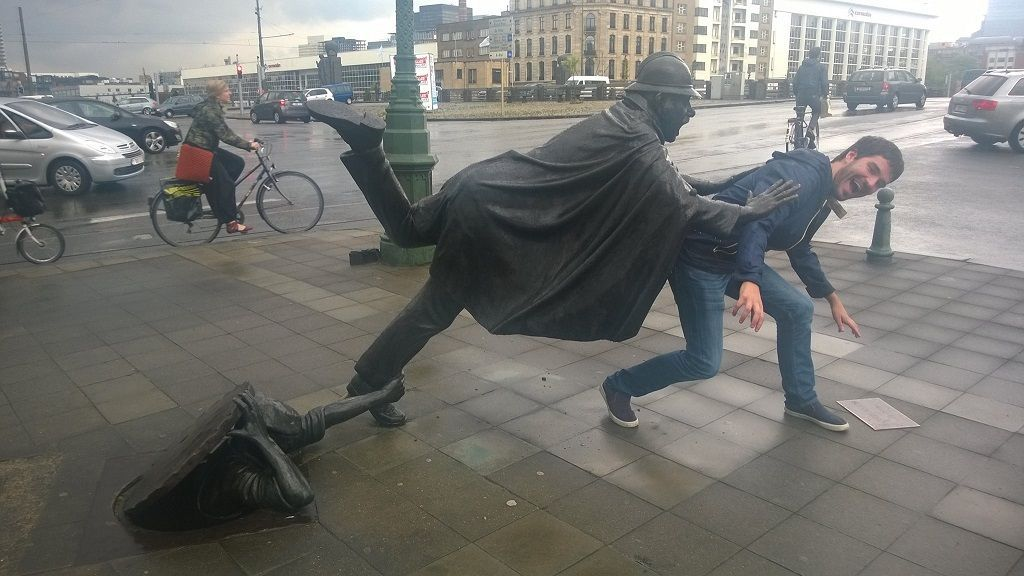 Estatua L'Agent 15 en Bruselas
