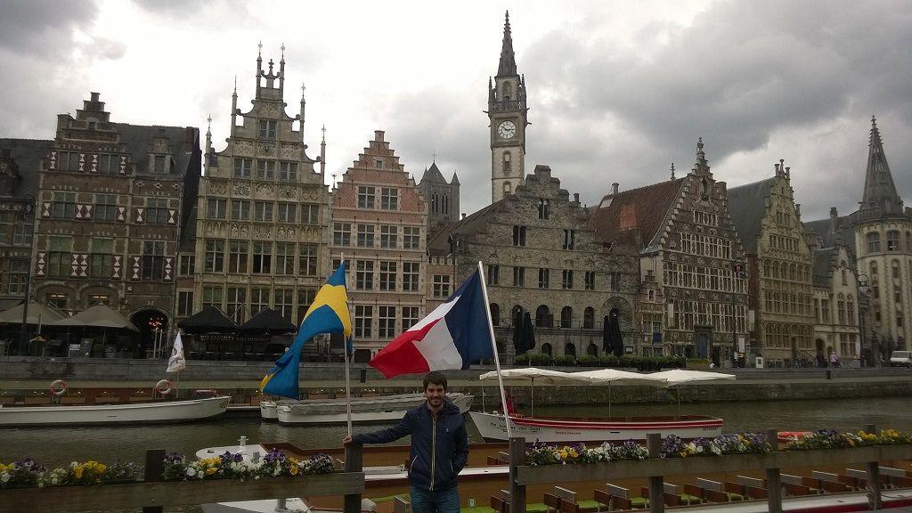 Canales y edificios medievales en Gante