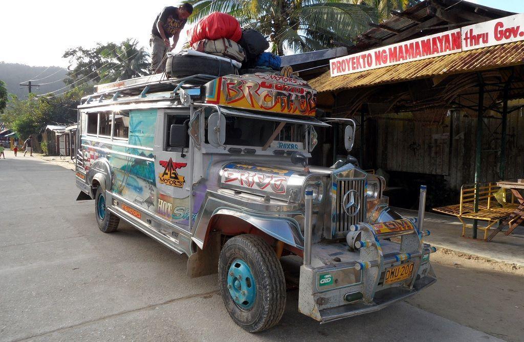 El pueblo de Port Barton y los característicos jeepneys